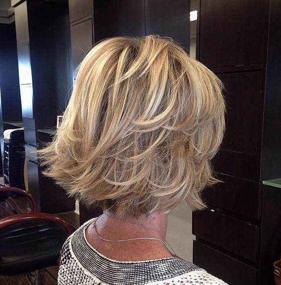 60 Unbeatable Haircuts for Women over 40 to Take on Board in