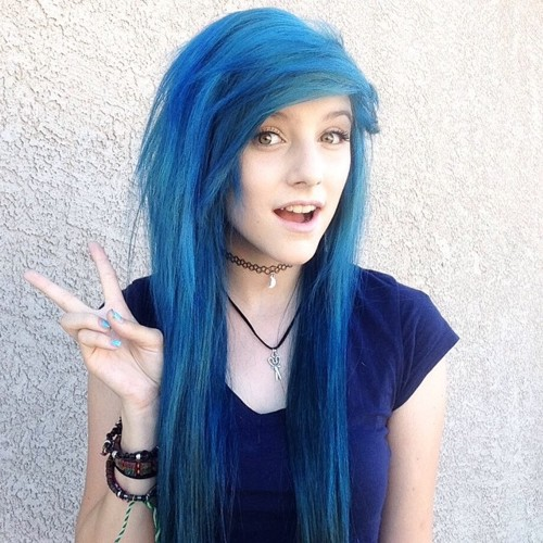 Blue haired alternative chick gives killer blowjob 4