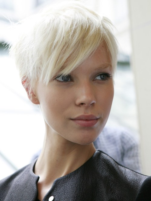 35 Side Swept Bangs To Sweep You Off Your Feet