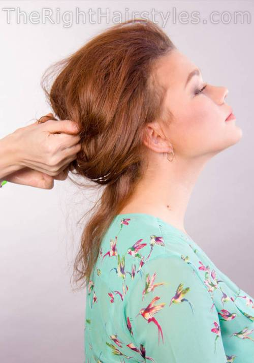 how to scrunch hair for messy updo
