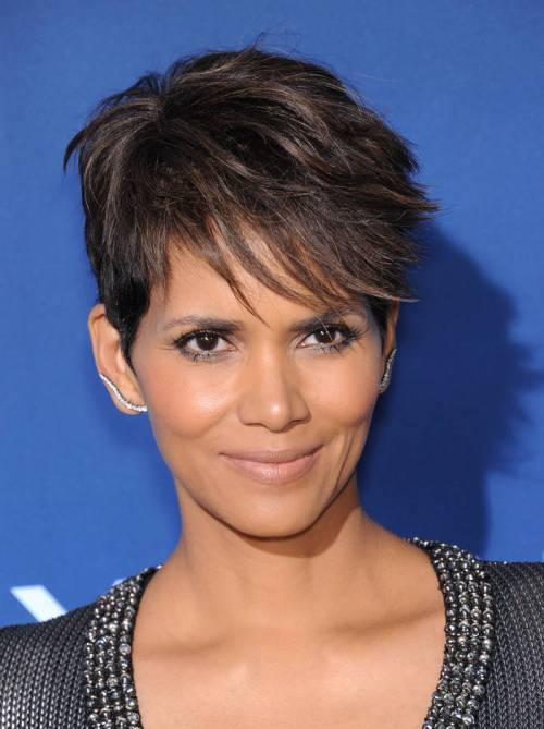 trendiest short brown hairstyles