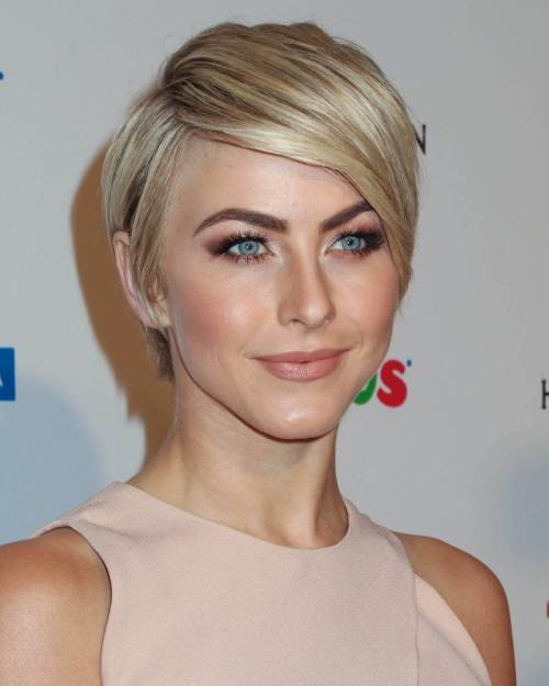 short a-line blonde hairstyle