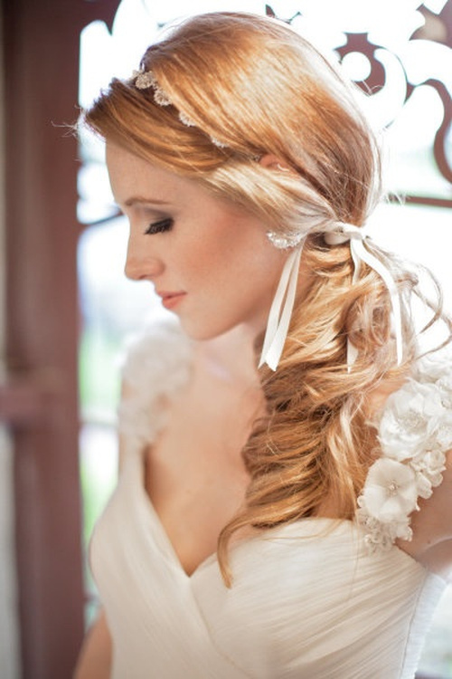 asymmetric downdo for beach wedding