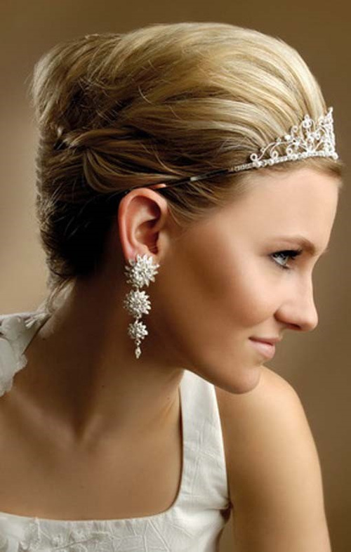 short hair bridal style hairstyles for indian wedding 20 showy bridal hairstyles 6325 | 14 back swept blonde hairstyle with a tiara