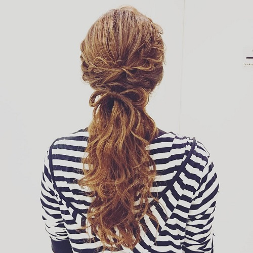 half up wavy messy hairstyle for long hair