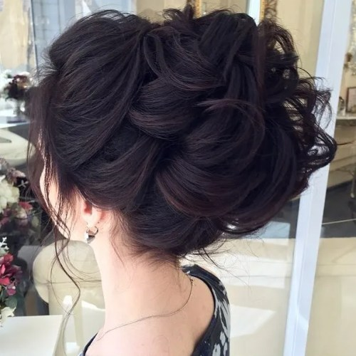 Top 20 Wedding Hairstyles For Medium Hair: 40 Chic Wedding Hair Updos For Elegant Brides
