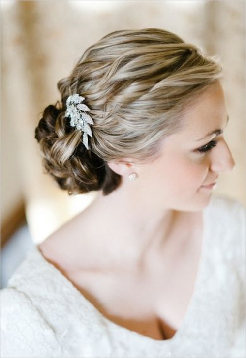 Wondrous Wedding Curly Hairstyles 20 Best Ideas For Stylish Brides Hairstyle Inspiration Daily Dogsangcom