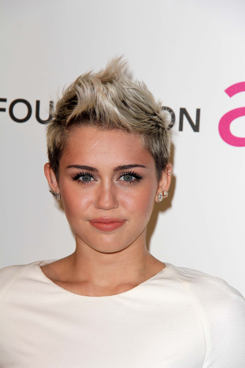 Miley Cyrus pixie with darkened roots