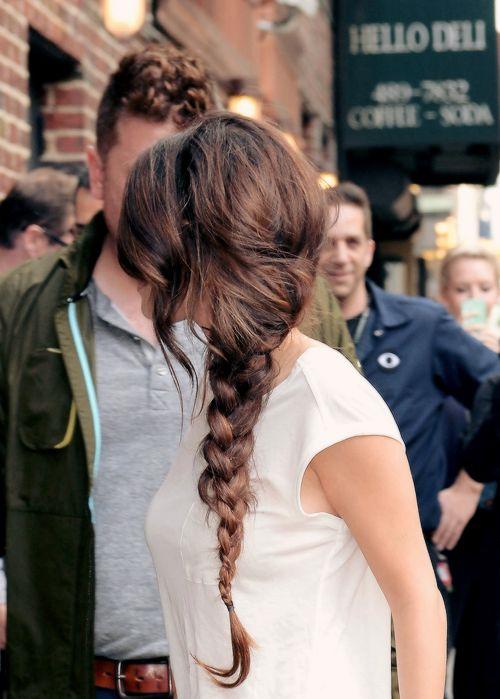 Cool Selena Gomez Hairstyles 20 Best Hair Ideas For Thick Hair Short Hairstyles Gunalazisus