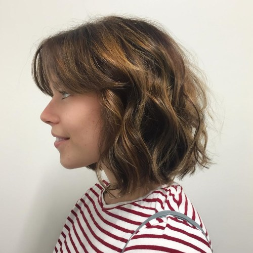 Wavy Brown Bob With Golden Highlights