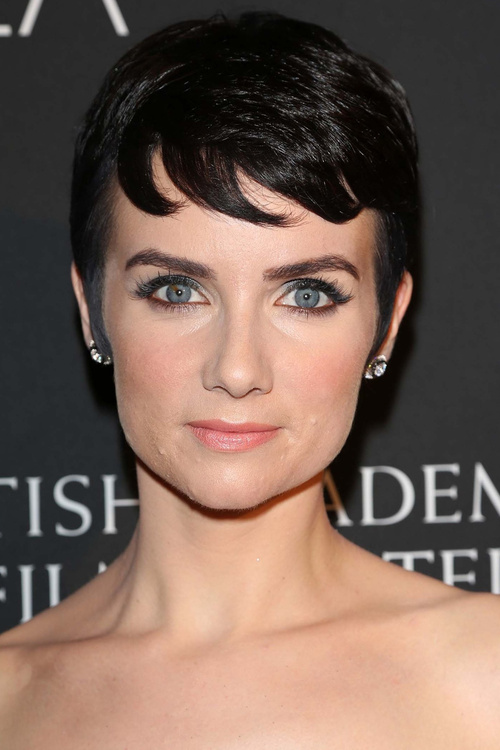 40 Harming Short Fringe Hairstyles For Any Taste And Occasion