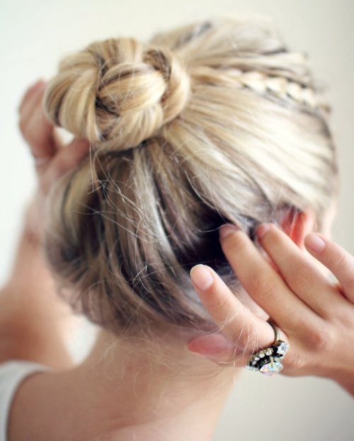 easy bun updo for long length