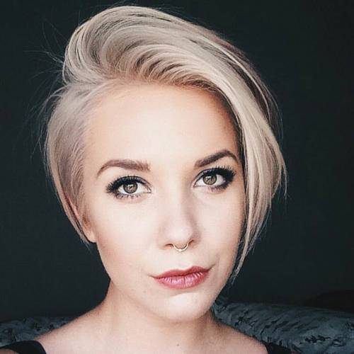 short blonde asymmetrical haircut
