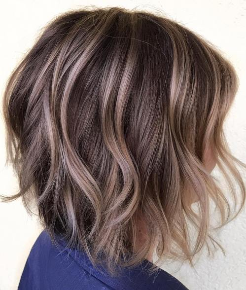 Messy Wavy Bob Hairstyle With Chin-Length Layers