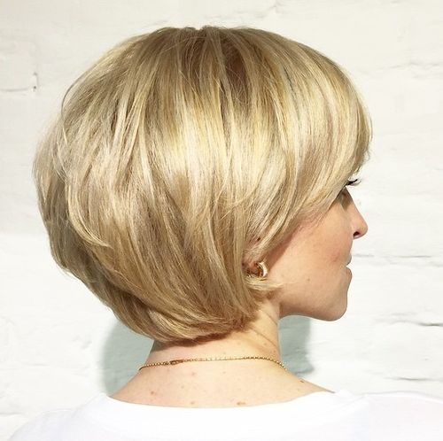 short layered golden blonde bob