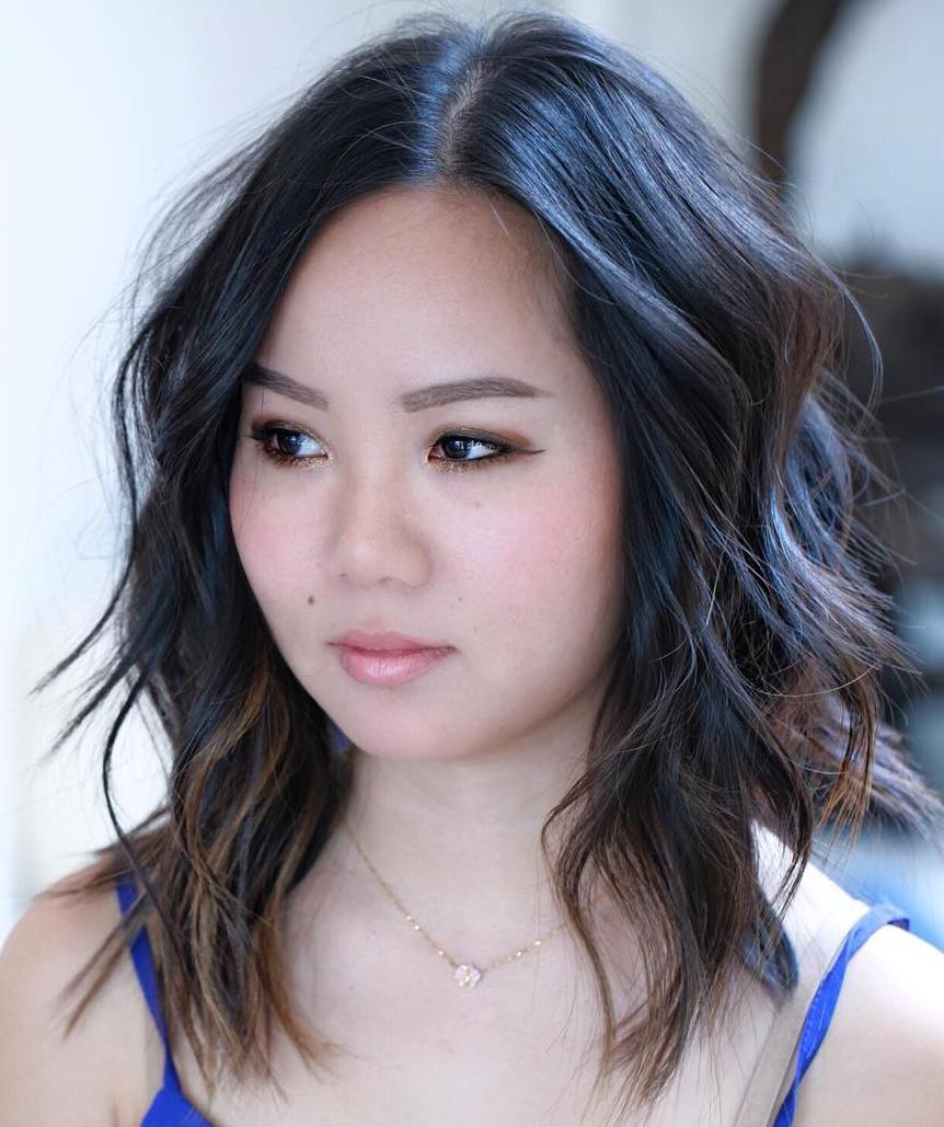 40 Stylish and Sassy Bobs for Round Faces