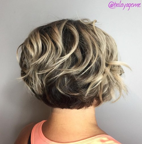 Short Wavy Bob With Blonde Highlights