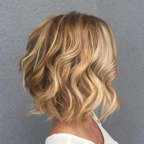 Caramel Wavy Bob With Blonde Highlights