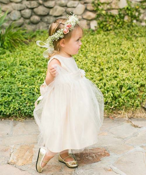 Wedding Hairstyle For Girl: 20 Flawless Flower Girl Hairstyles