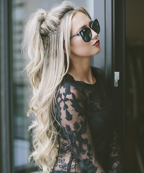 Half Ponytail For Long Blonde Hair