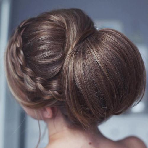 Large Chignon With A Headband Braid