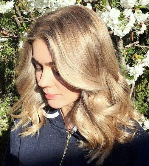 light brown hair with blonde balayage
