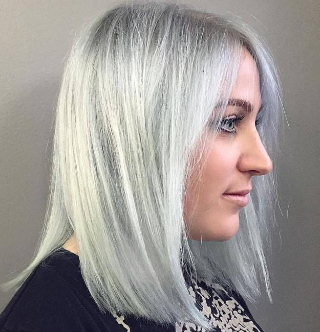 Blunt Gray Lob With Black Roots