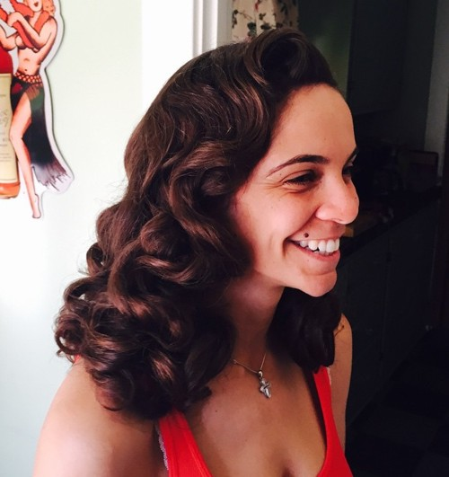 pin up curly hairstyle for thick hair