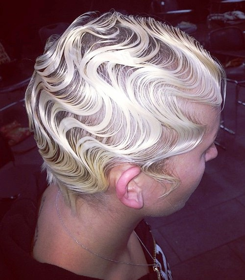 short blonde hairstyle with wet finger waves