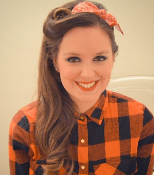 13 Pin Up Hairstyles for the Vintage-Loving Girl