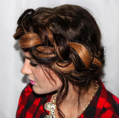 messy chunky milkmaid braid with highlights