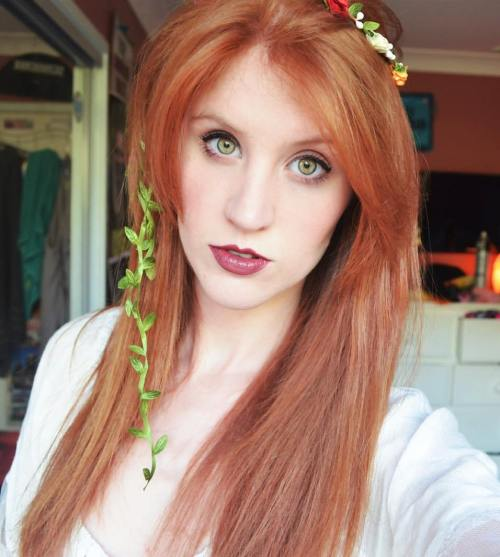 Green Eyes Red Hair