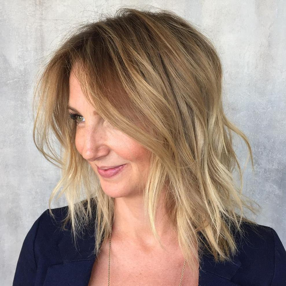 20 Styles With Beach Waves Hair For Your Inspiration