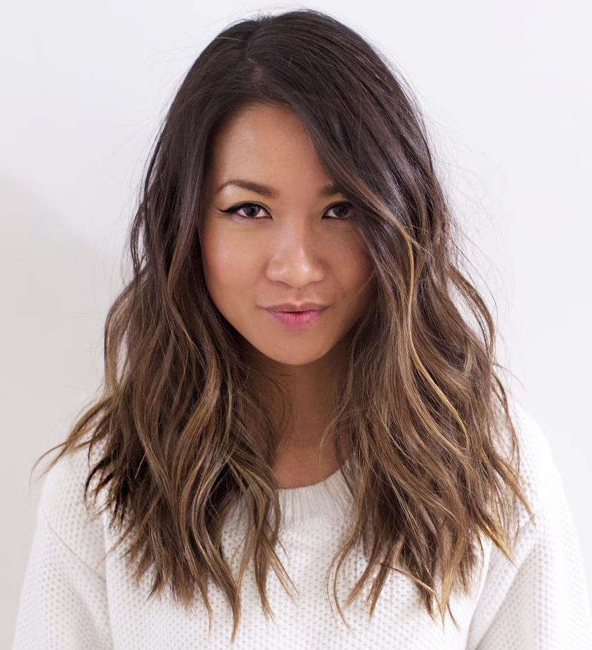 20 perfect ways to get beach waves in your hair shaggy beach waves for layered hair urmus Images