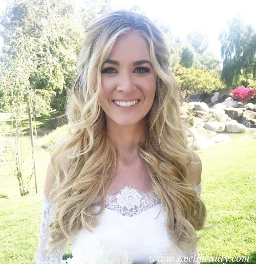 Beach Wavy Wedding Hairstyles: 20 Perfect Ways To Get Beach Waves In Your Hair {2019 Update}