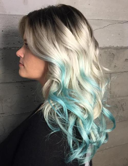 Ash Blonde Hair With Mint Highlights
