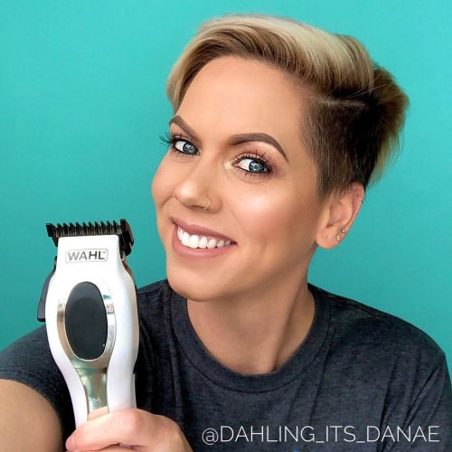 Blogger Showing Her DIY Undercut