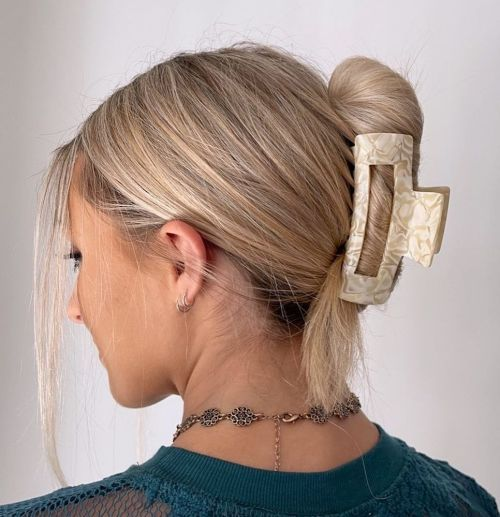 Claw Clip Hairstyle
