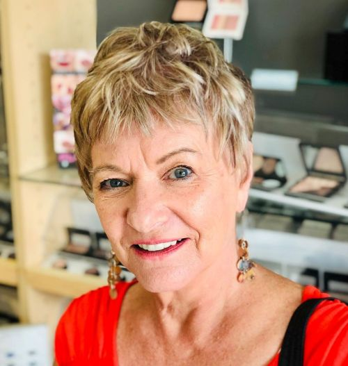 Short Choppy Hairstyle For Fine Hair Over 60