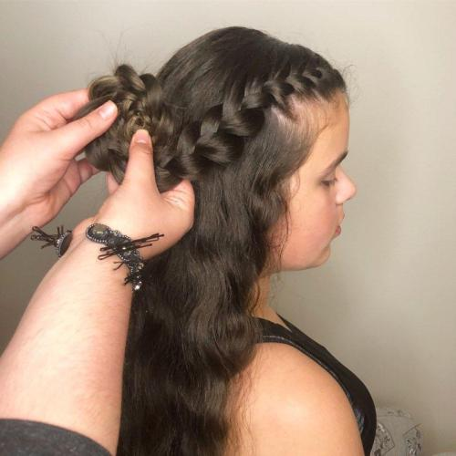 How to Do a Flower Braid: Step 5