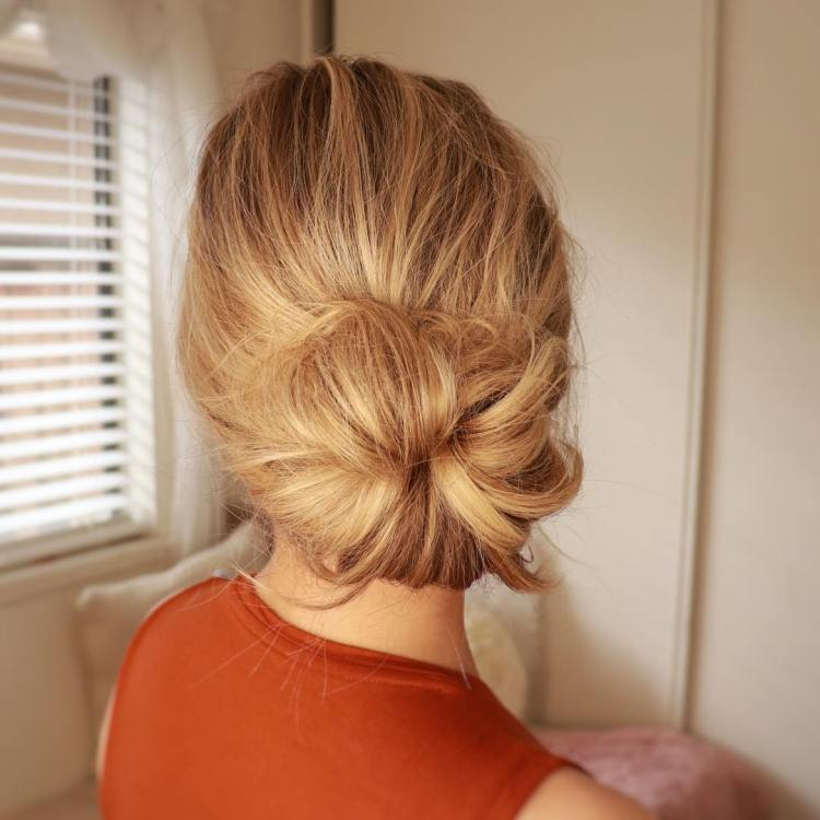 Loose Donut Bun For Medium Hair