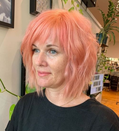 Pastel Peach Bob For Middle-Aged Women