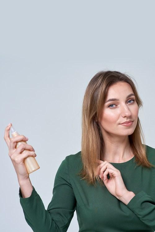 Using Dry Shampoo to Add Body to Thin Hair