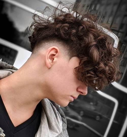 Disconnected Haircut With Messy Curly Top