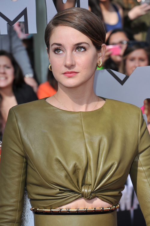 Shailene Woodley short hairstyle for girls