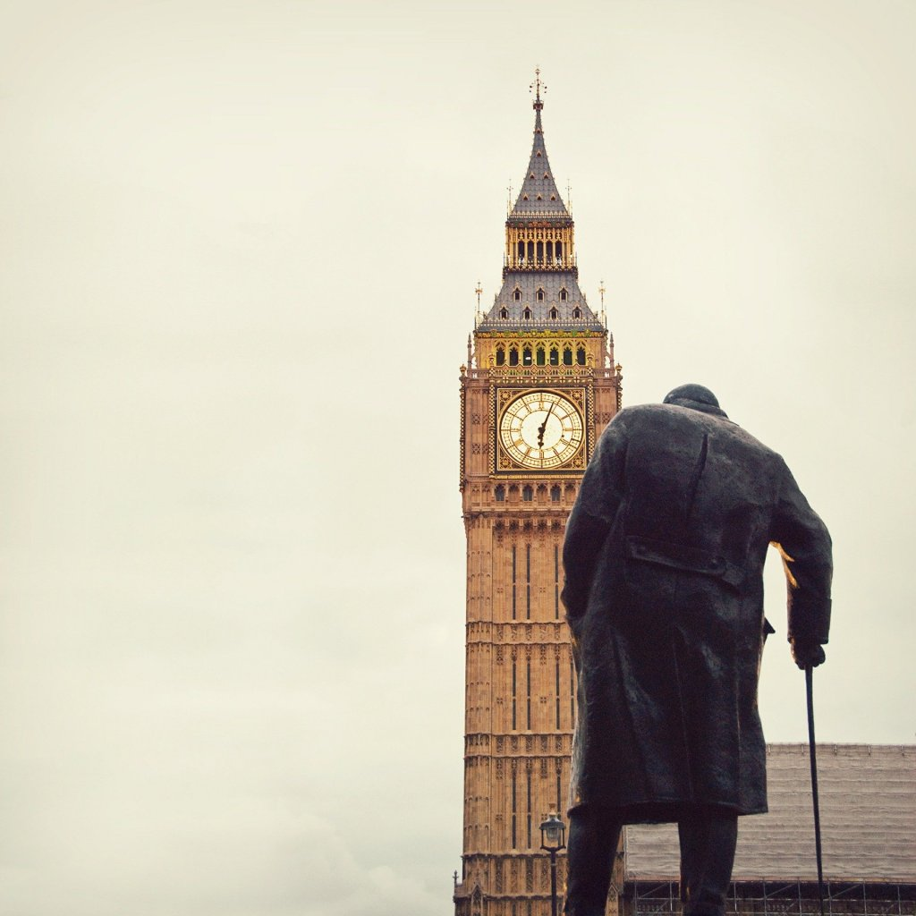 Leading in crisis, Churchill