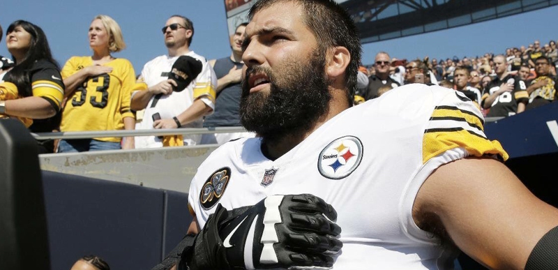 therightscoop.com - SooperMexican - Awesome: ONE Pittsburgh Steeler player came out during National Anthem
