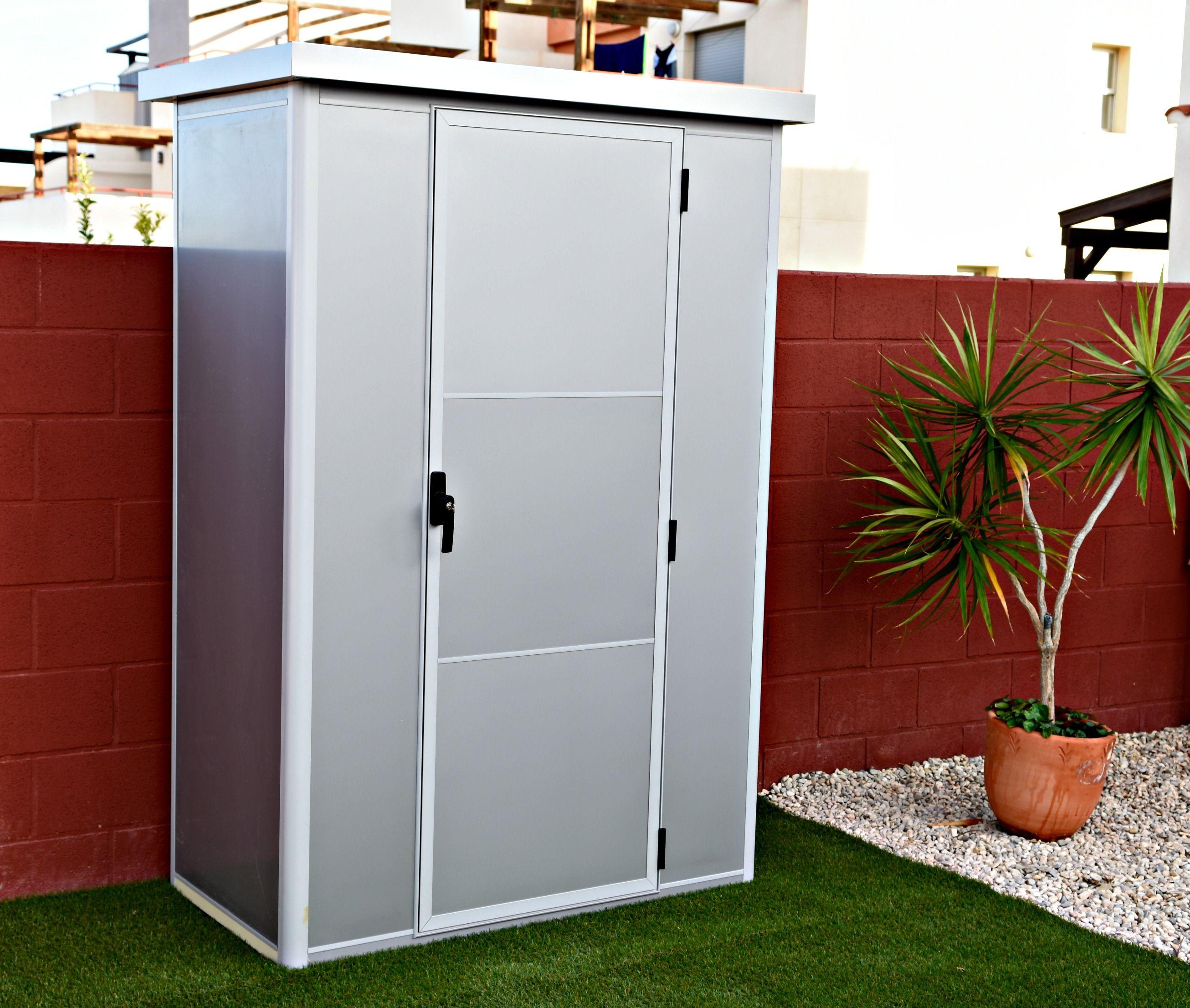 Thermoestank trasteros garajes y armarios prefabricados for Casetas pvc exterior segunda mano