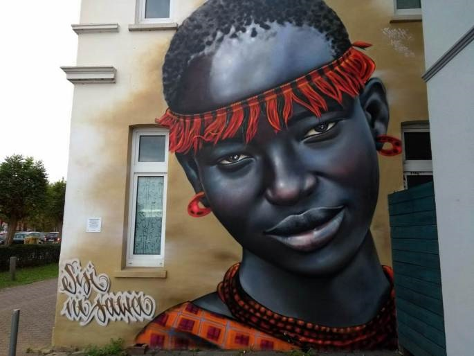 Streetart in Oldenburg: Portrait einer Massai