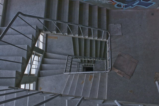 Lost Places in Finnland: Wendeltreppe
